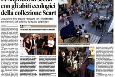Le soprano in scena con gli abiti ecologici della collezione Scart