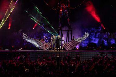 SCART realizza costumi per Andrea Bocelli al Teatro del Silenzio